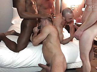 Orgy in american hotel bear (gay) group sex (gay) hunk (gay)