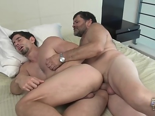 Daddy Loving Victorino Works With Horny Older Man 28:32 2020-12-13